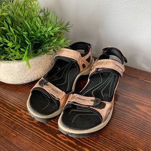 Ecco rose gold sandals size 41 cute comfy